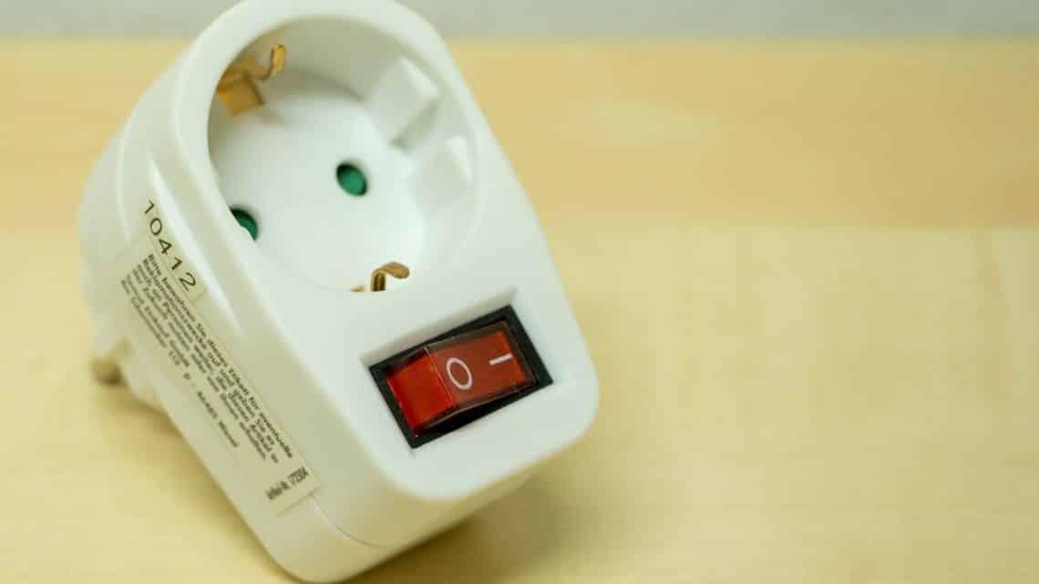 Adaptateur prise de courant électrique pour le Mexique