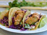 tacos poisson frit avocat avec sauce chipotles