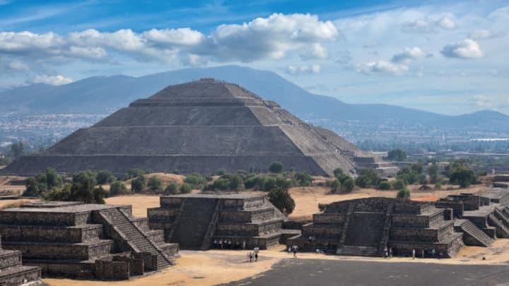 La Pyramide du Soleil de Teotihuacán à Mexico