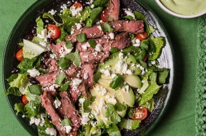 Salade de bifteck grillé à la mexicaine