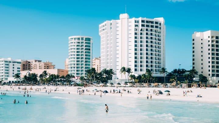 Comment s'appellent les habitants de Cancun ?