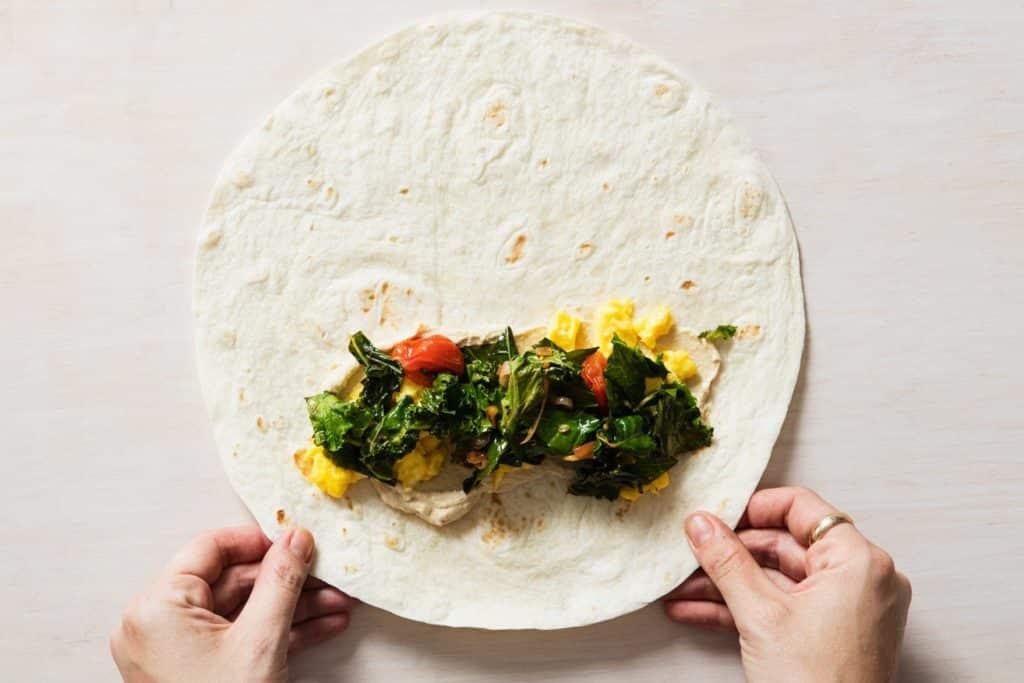 comment plier une tortilla mexicaine