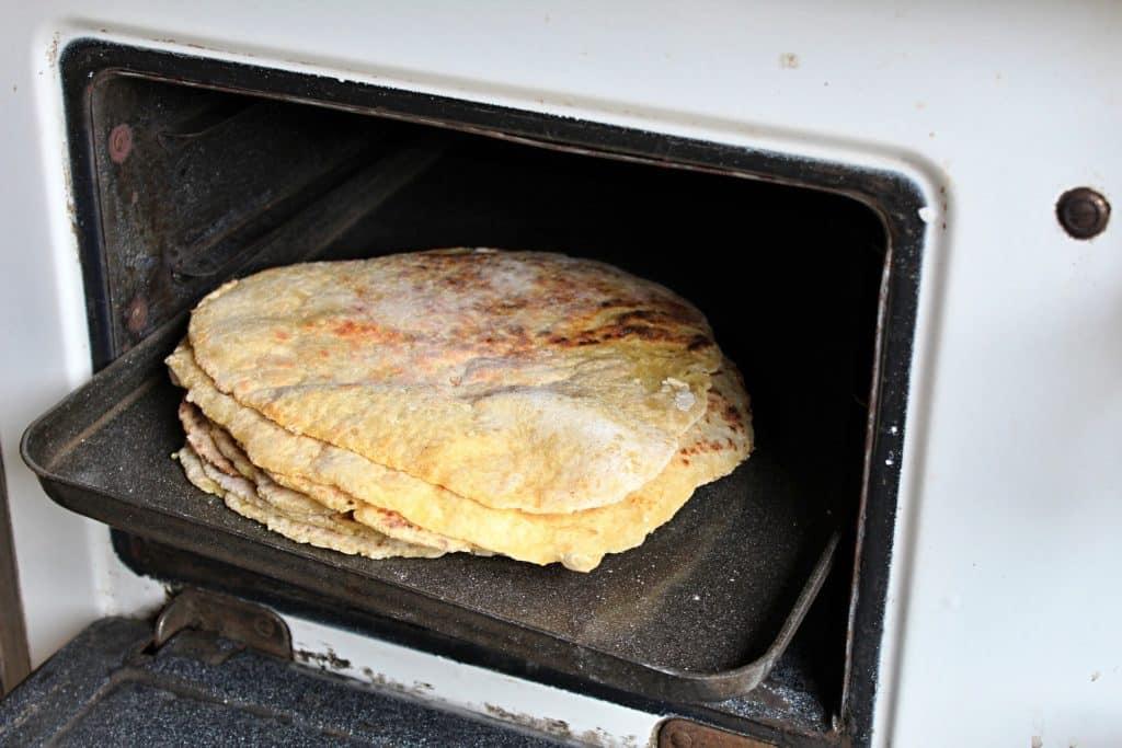 Réchauffer des tortillas au four
