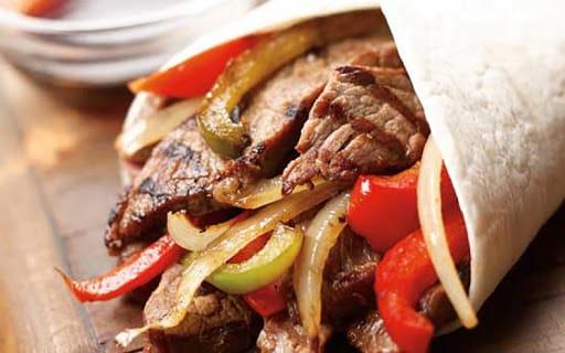 Fajitas au steak de boeuf et poivrons