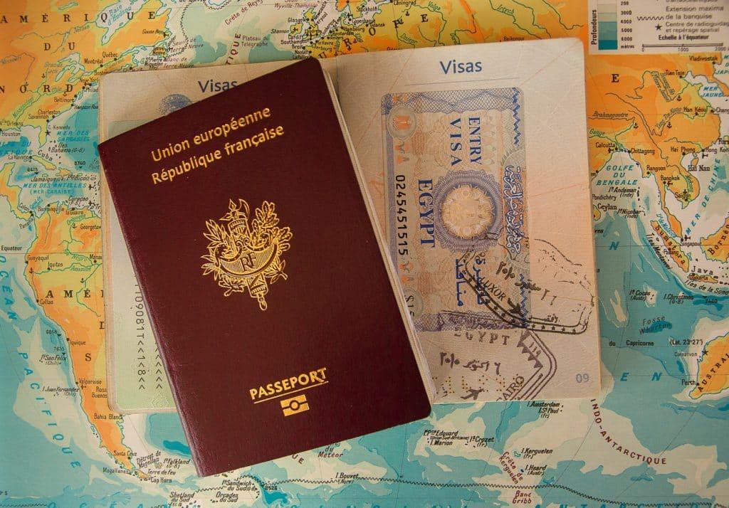 Déterminer les exigences légales pour s'installer au Mexique