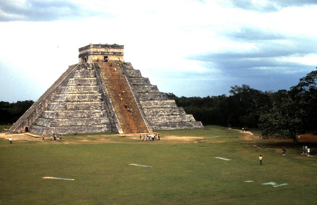 Pyramide Chichen Itza nouvelle merveille du monde Mexique