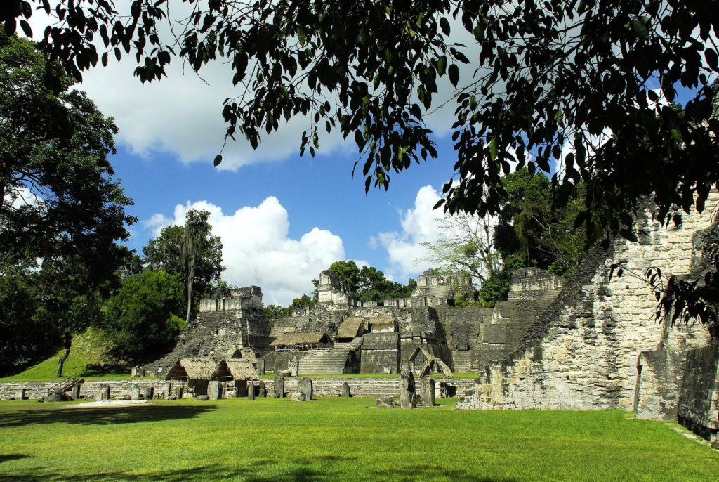 Pyramides de Tikal au Guatemala