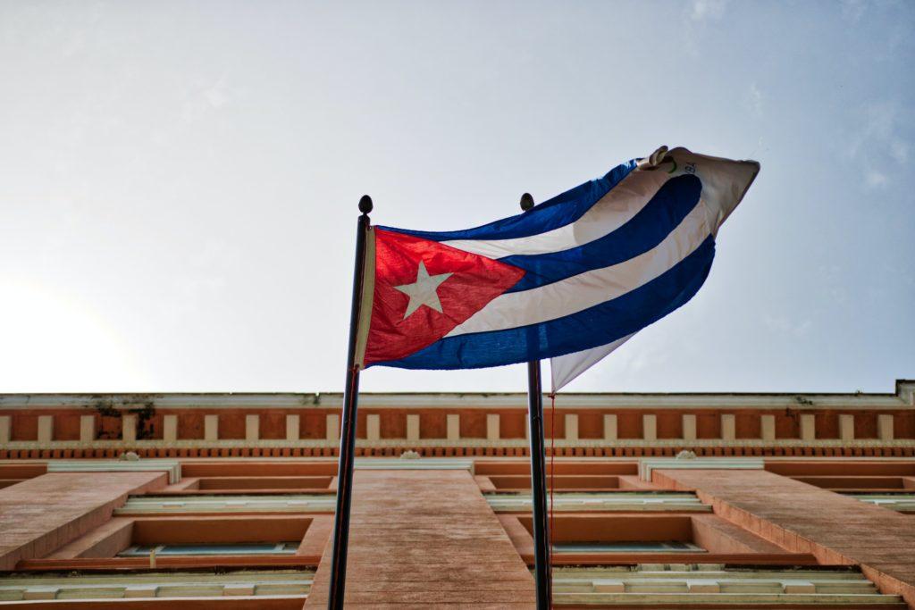 Combien coûte le billet d'avion pour aller à Cuba ?